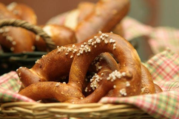 Bretzel - Il Bretzel è un pane tipico della cucina tedesca e sudtirolese