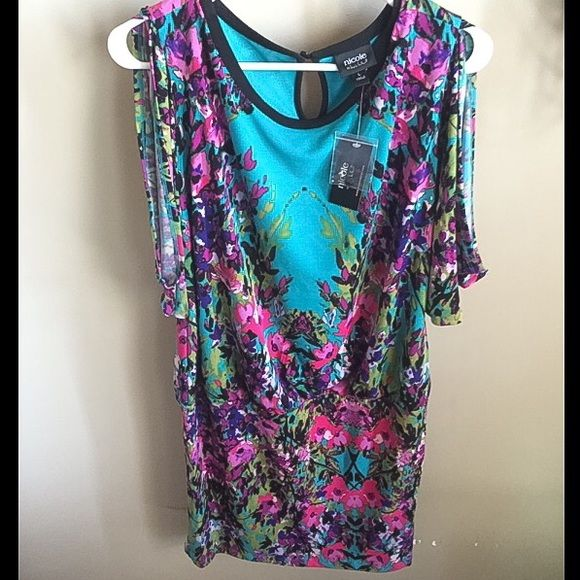 Short spring dress by Nicole Miller Short Nicole dress.  Bright floral pattern!  Open sleeves.  Slight ruching detail around hip/waist area.  Flattering cut. NWT Nicole by Nicole Miller Dresses Mini