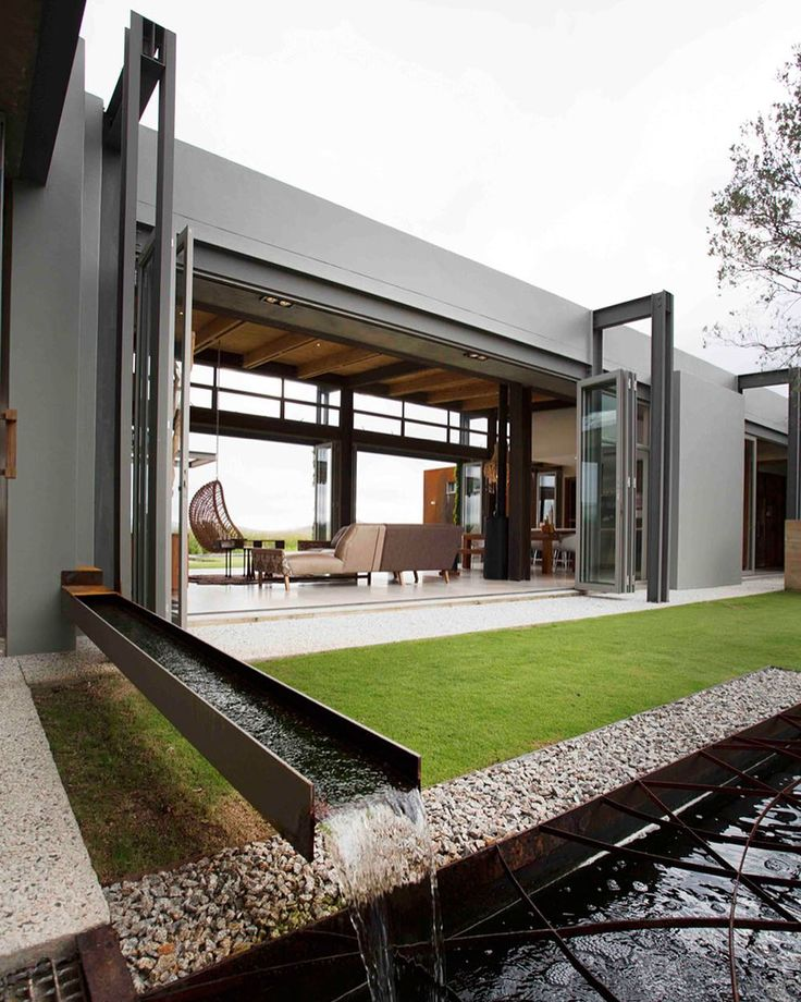 #architecture_hunter Modern House at Monagham Farm in Lanseria South Africa by Gillian Holl by architecture_hunter
