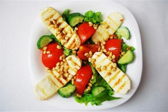 Теплый салат с жареным сыром рецепт с фото
