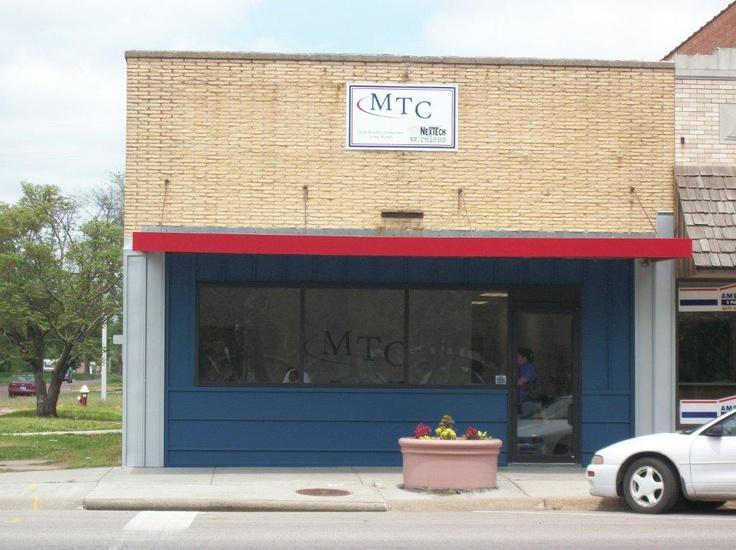 MTC / NexTech Wireless in Lyons, KS Outdoor decor