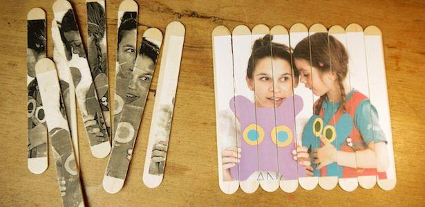 Ihr wollt etwas echt Schönes mit eueren Kindern basteln? Gebt Holzspateln aka Eisstielen einen schöneren Sinn! So könnt ihr dieses tolla Puzzle zaubern...