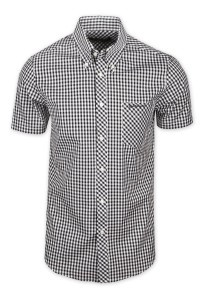 Classic retro style button down shirt.