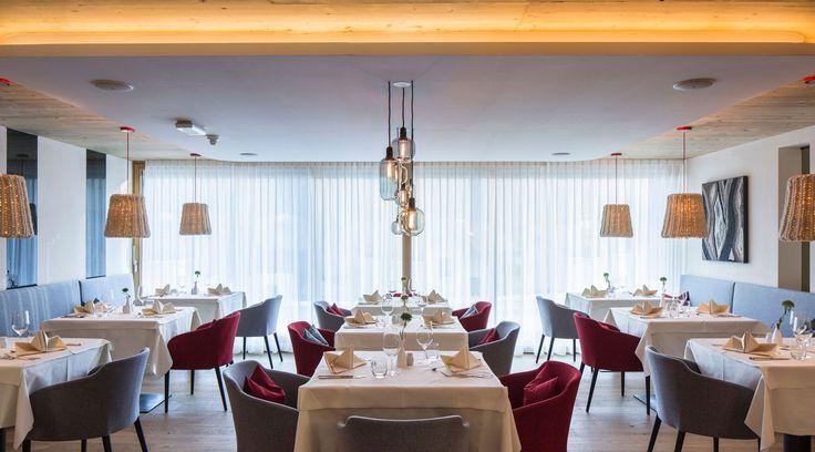 Lichtstudio Lichtdesign Leuchten · REFERENZEN · Meran Südtirol Italien  #lighting projects #hotellighting #südtirol #italy #luxuryhotel #falkensteinerhotels
