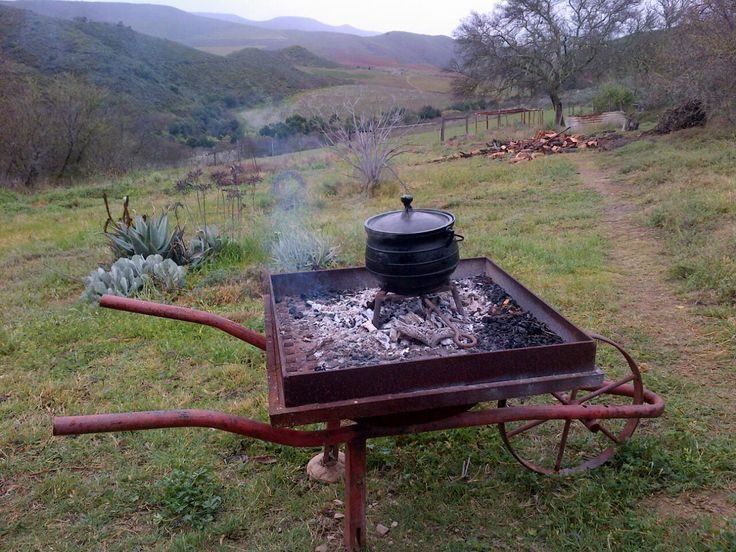Traditional Potjie - mobile as can be.