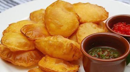 Pakaura  Frittierte Kartoffeln im Teigmantel