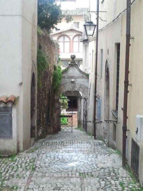 Spoleto utcarészlet