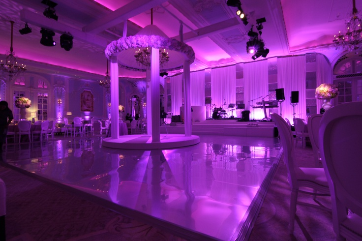 How to work a wedding in a Ballroom