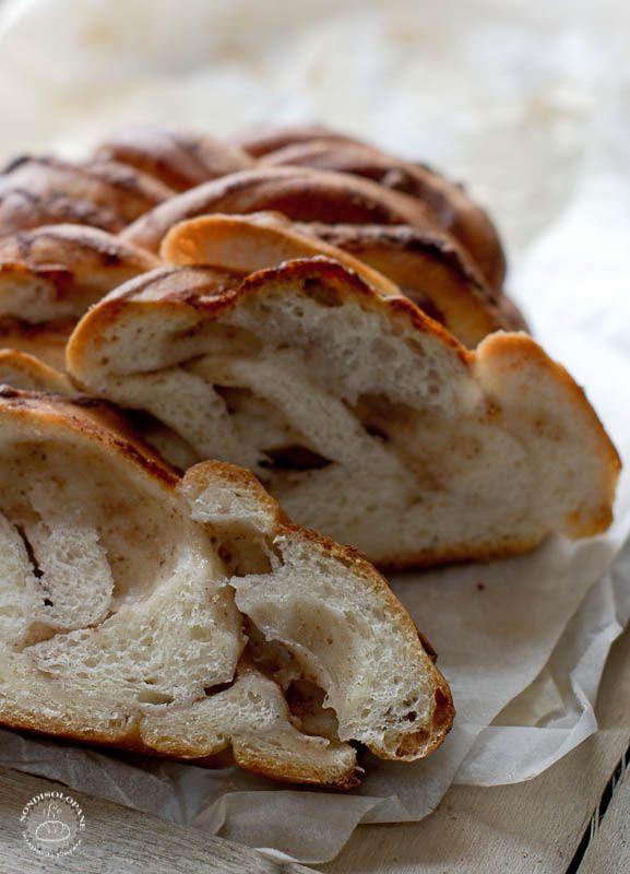 Spiga di pane con noci e pecorino | NONDISOLOPANE