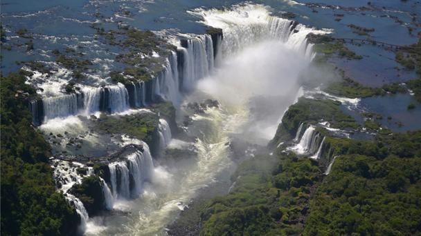 Beautiful waterfalls around the world