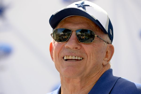 Dallas Cowboys include playoff tickets in season-ticket package to fans