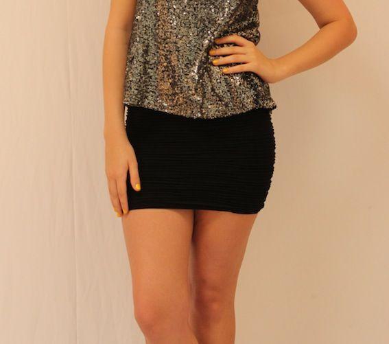 Gorgeous ridge pattern, pencil skirt.  A snap at $12!!