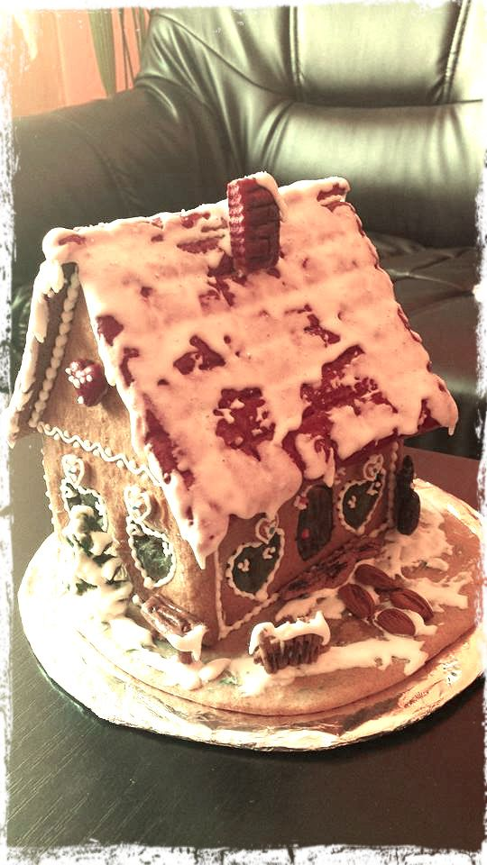 Gingerbread Winter House