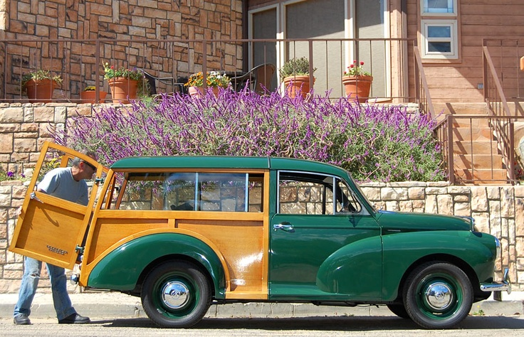 morris minor traveller woody wagon lovely wood panels woody cars station wagons. Black Bedroom Furniture Sets. Home Design Ideas