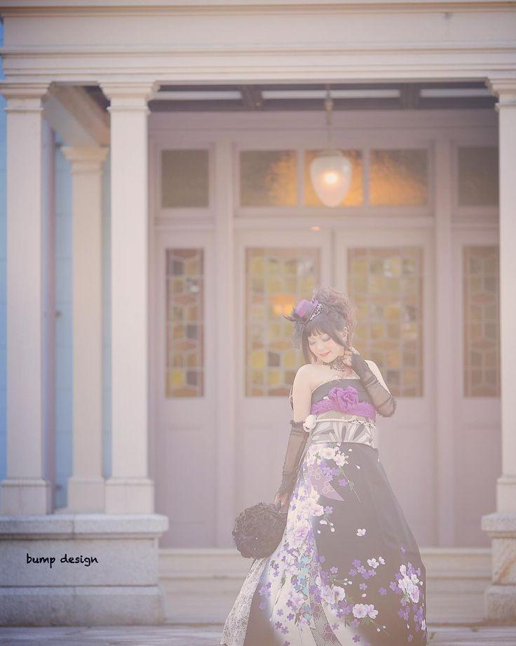 #オリエンタル和装  今度は振袖を着付けだけで和ドレスへと変身させるオリエンタル和装での撮影  ハサミを使わずに着付けのみでこんなに素敵にドレスに出来ちゃうなんて本当にすごい  和の雰囲気も持ちつつ洋風の雰囲気も醸し出す万能なお衣装  #marry花嫁#ハナコレ#ウェディングニュース#プラコレ#marry花嫁図鑑#marry#farnyレポ#dressy花嫁#結婚#結婚式#結婚写真#ig_wedding#東京カメラ部#みんなのウェディング#白無垢#ナチュラルウェディング#チェリフォト#alolea#前撮り#ロケーション前撮り#結婚式カメラマン#ブライダルカメラマン#結婚式準備#花嫁準備#プレ花嫁#プロポーズ#バンプデザイン#イトウスグル#日本中のプレ花嫁さんと繋がりたい