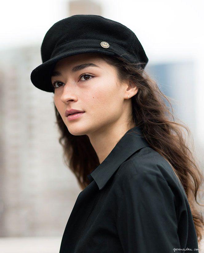 Style Story / Bruna, Bruna Tenori, Model Off Duty, Natural Beauty, Black Cap / Garance Doré