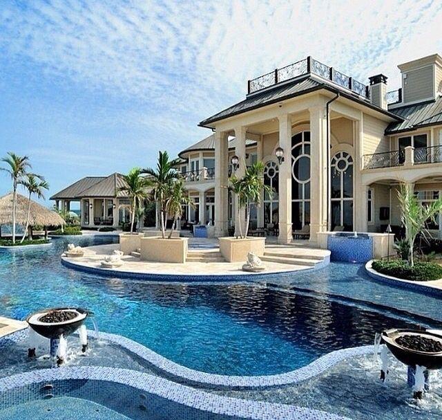 luxury home wid swimming pool