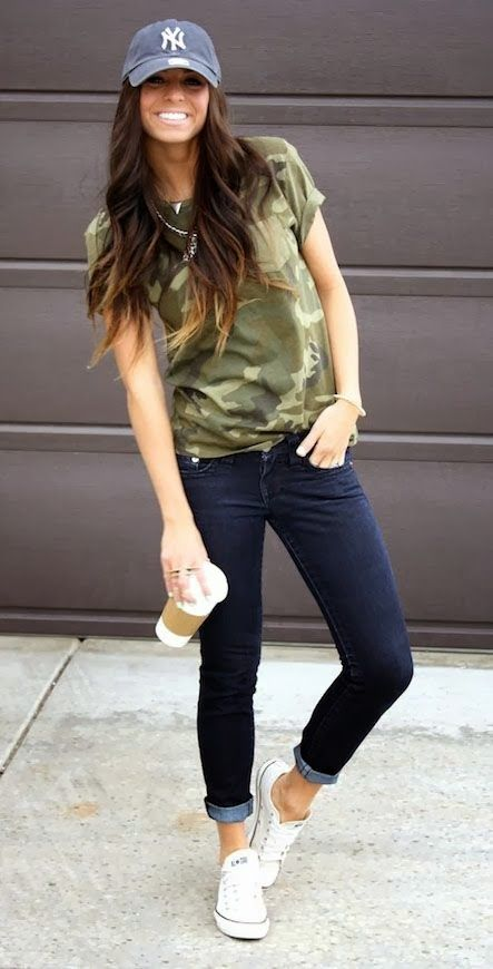 Ankle skinny jeans, camo t-shirt, little jewellery & a baseball cap!