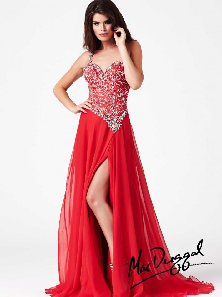 17 Best images about LADY IN RED on Pinterest | Red gowns, Prom ...