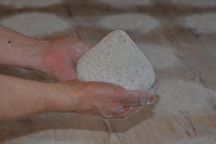 Valmis myky on kauniin tasainen pinnaltaan, eikä siinä ole halkeamia.