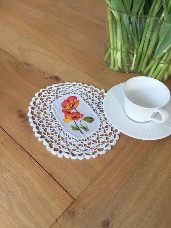 Doilies embroidered Doily embroidered flowers Crochet