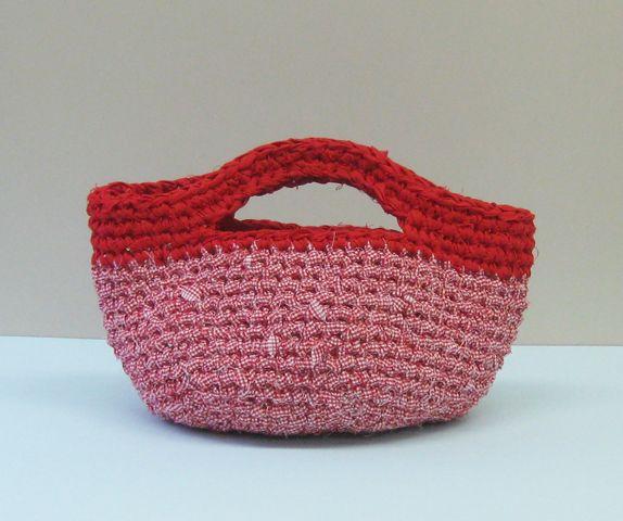 ジャンボかぎ針「アミュレ」で編む 裂き編みバッグ | 手づくりレシピ | クロバー株式会社