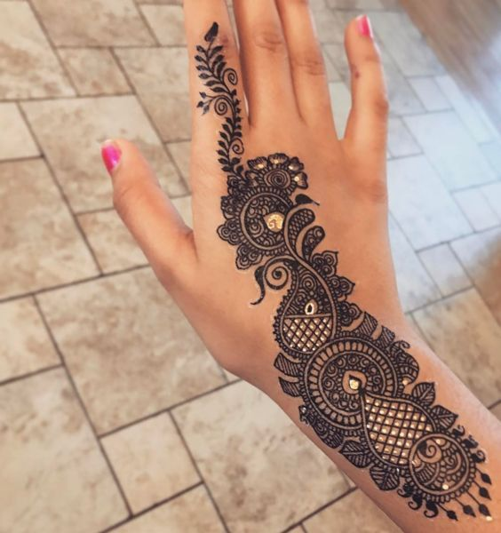 UNIQUE HENNA TATTOOS BECOME THE TREND IN SUMMER – Page 44 of 71