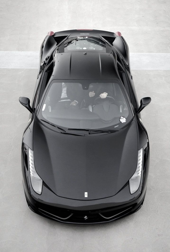 You're guaranteed attention in #Hollywood, cruising around Beverley Hills in this #Ferrari 458 Italia. The engine noise the sweetest sounding thing you will ever hear! Hit the image to watch the midnight cruise #carporn