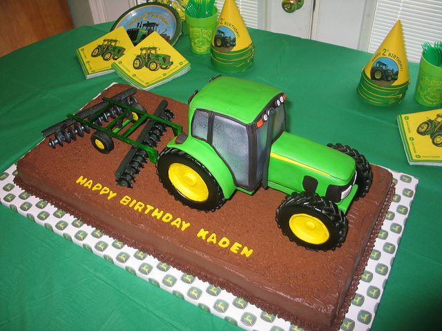 Tractor Cake (John Deere 7330) Just drop a toy tractor on top of a chocolate frosted sheet cake