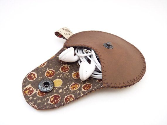 Hey, I found this really awesome Etsy listing at http://www.etsy.com/listing/92971159/coin-pouch-mini-gypsy-for-guys-vegan