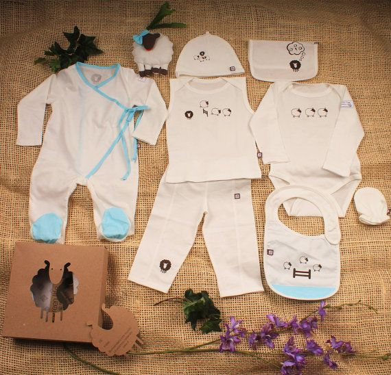Organic Baby Clothes, Baby gift Set, 8 pieces set and one sheep toy, Newborn Outfit, Baby boy Clothes, Going Home Outfit.    Beautiful Organic baby set, made with the best organic Peruvian cotton.  Perfect going home outfit    Contains 8 pieces :    Kimono Pyjama ,  hat, mitts, bib, body long sleeve, thank shirt, pants, burp cloth and  Sheep toy in beautiful sheet box.   Shop this product here: spreesy.com/MYGRENLIFE/20   Shop all of our products at http://spreesy.com/MYGRENLIFE…