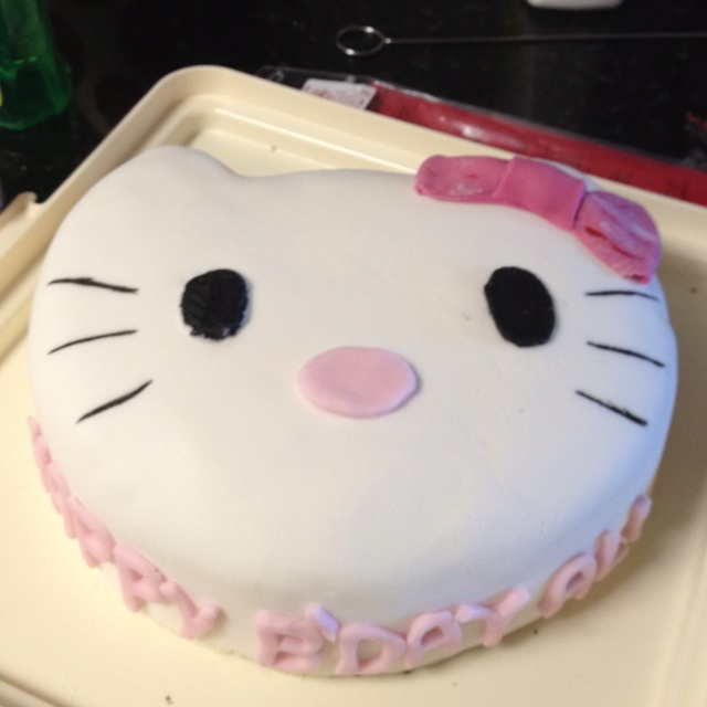 Ali's Hello Kitty cake I made