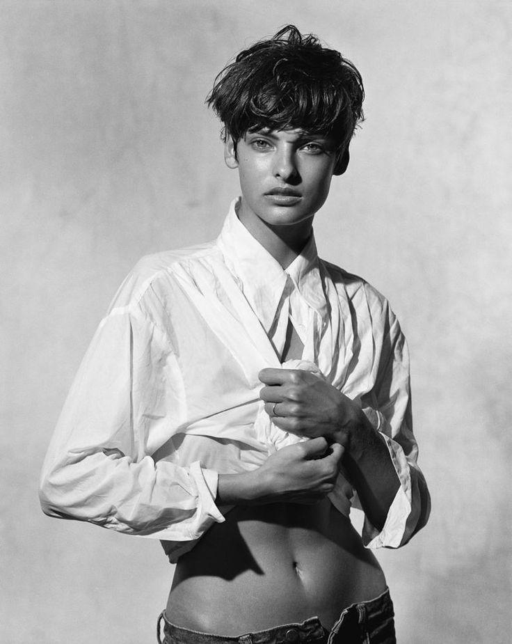 Peter Lindbergh photograph, Linda Evangelista, black and white, white shirt, jeans
