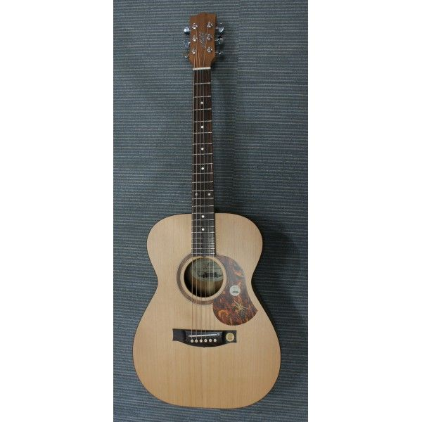 Maton SRS808 electro-acoustic guitar front