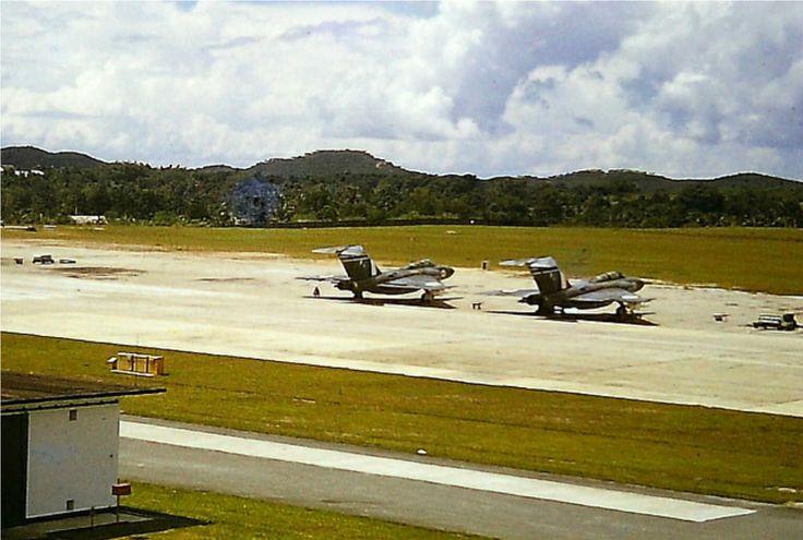 Javline-on-flightline-Tengah-1966.jpg (1275×859)