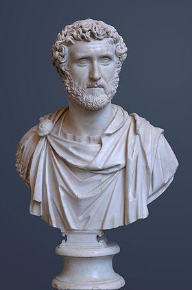 Buste d' Antonin le Pieux (v. 150) règne du 11 juillet 138 au 7 mars 161 , empereur romain (Lanuvium 86-Rome 161) il contint les menaces extérieures d, il affermit les frontières de l'Empire, fait compléter les Limes, notamment en Bretagne. Son régne marque l'apogée de l'empire romain