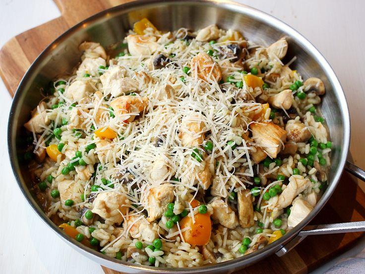 Zelf risotto maken is helemaal niet moeilijk, in dit recept leg ik je stap voor stap uit hoe je de lekkerste risotto maakt.