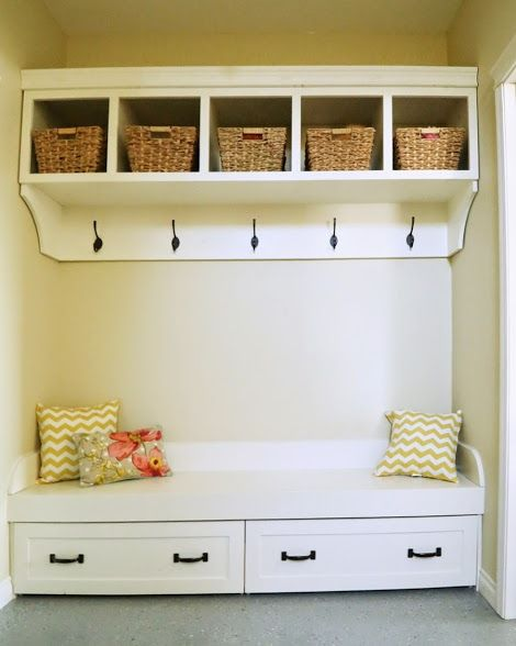 how to build corner mudroom plans