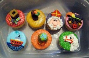 Mooi versierde Sinterklaas Cupcakes - Mike kruis