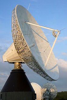 Antena parabólica para la transmisión de señales electromagnéticas ... Any one like this? Let me know!