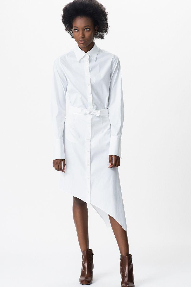 Guarda la sfilata di moda Tome a New York e scopri la collezione di abiti e accessori per la stagione Pre-Collezioni Autunno-Inverno 2016-17.