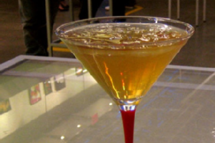 Awesome Apple Martini 1 oz apple schnapps 1 oz vodka 1 oz apple juice