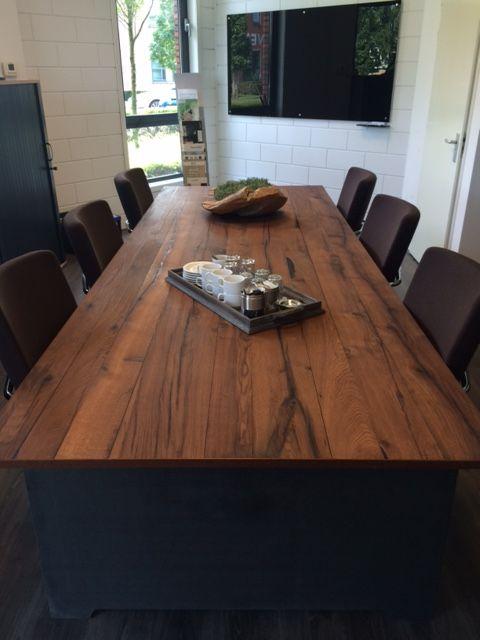 Querkus oud eiken dikfineer Hoboken verwerkt tot spreekkamer tafel