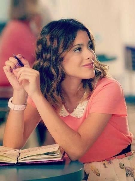 Tini Stoessel http://celevs.com/martina-stoessel-beauty/