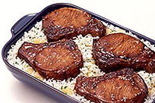 Côtelettes de porc teriyaki SHAKE'N BAKE avec riz aux ananas ----------------------Vous êtes sur le point de goûter aux meilleures côtelettes de porc qui soient! L'ananas y ajoute une touche d'exotisme, tandis que la panure teriyaki rehausse la saveur de ce plat de porc et de riz tout-en-un.