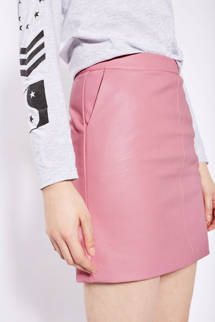 Mini Leather skirt topshop pictures recommend to wear in autumn in 2019
