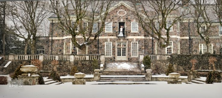 Magnificent winter wedding at Graydon Hall Manor, photographed by David and Sherry - http://david-buck-photography.photosit.es/contact/
