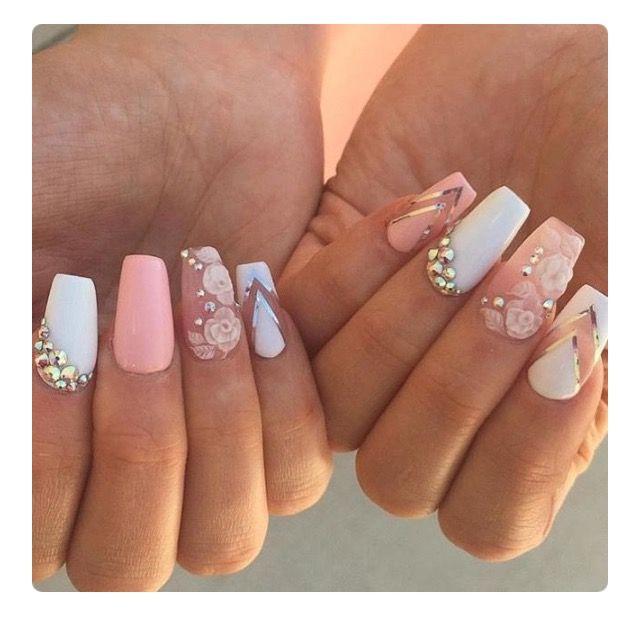 Cute nails ✨   To see more follow @Kiki&Slim