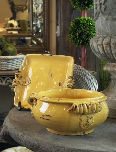 Italian pottery.....would love to have these!