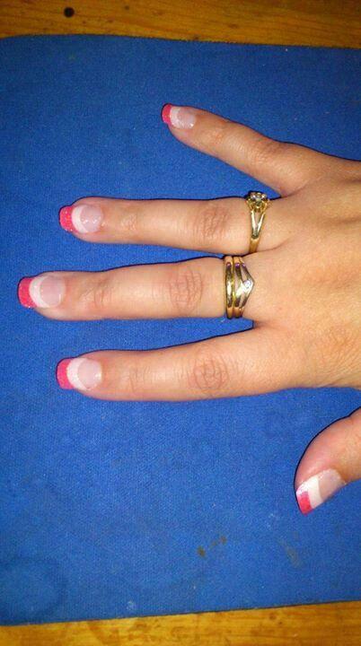 Wit met rode glitter nagels